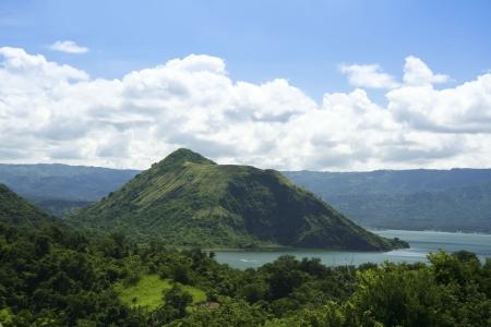 Taal Kratersee gesehen von den hängen von der hochaktiven Tagaytay Taal Vulkan auf den Philippinen Standard-Bild - 6625044