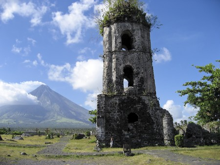 mayon: remains of a spanish colonial church destroyed by mayon volcano in albay province south luzon in the philippines Stock Photo