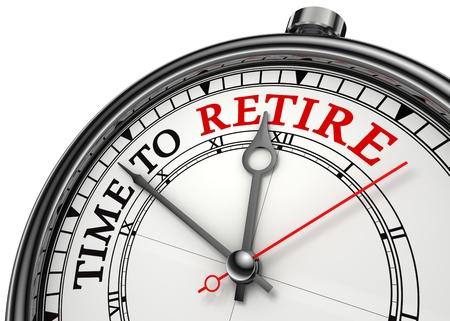 prendre sa retraite: temps de se retirer closeup horloge notion isol� sur fond blanc avec des mots rouges et noirs Banque d'images
