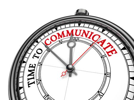 comunicarse: Es hora de comunicar el mensaje de motivación en el concepto de reloj, aislado en fondo blanco