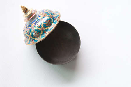 The Benjarong  Bencharong  , Ceramic jars with intricate designed from thailand Imagens