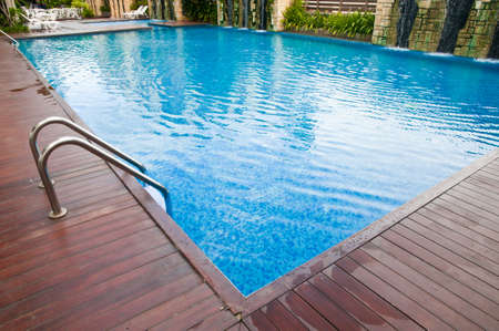 beautiful new apartment building, outdoor, pool view 免版税图像 - 22904943