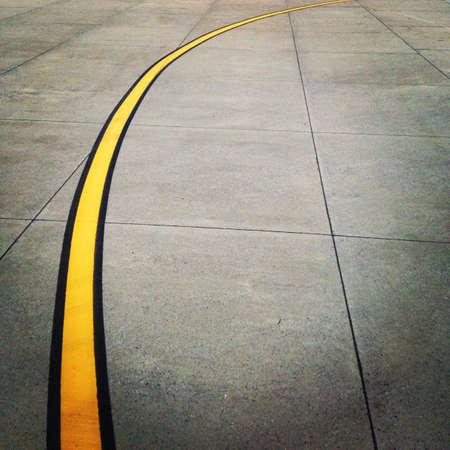 geschwungene linie: Gelbe gekr�mmte Linie