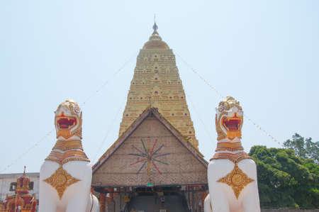 wiwekaram: Two Lion guard statues in Wang Wiwekaram Thai temple, Sangklaburi, Kanchanaburi, Thailand Stock Photo