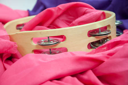 pandero: instrumento de música pandereta en rosa
