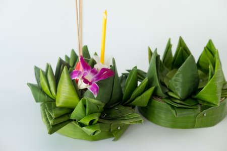 Krathong the handcrafted floating made of banana leaves and decoration with colorful flowers and many sorts of creative materials . Banco de Imagens
