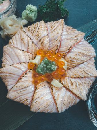 Salmon Donburi with salmon roe. Japanese gourmet cuisine 免版税图像