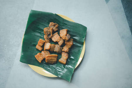 Fried pork belly with fish sauce is a food of Thai recipe