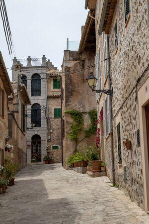 Kleine Gasse in Valdemossa, Mallorca Spanien
