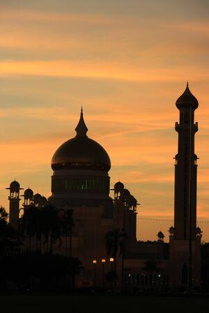 Silhouette of Sultan Omar Ali Saifudding Mosque at sunset, Bandar Seri Begawan, Brunei, Southeast Asia Stock Photo - 14632793