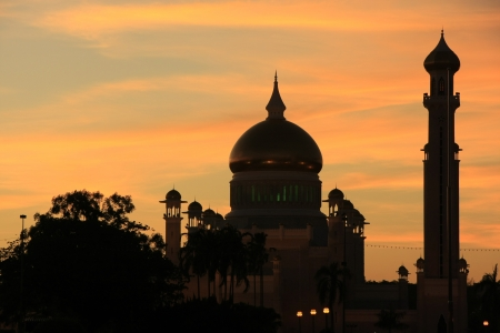 Silhouette of Sultan Omar Ali Saifudding Mosque at sunset, Bandar Seri Begawan, Brunei, Southeast Asia