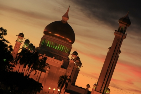 Sultan Omar Ali Saifudding Mosque with lights, Bandar Seri Begawan, Brunei, Southeast Asia Stock Photo - 14632626