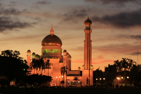 Sultan Omar Ali Saifudding Mosque with lights, Bandar Seri Begawan, Brunei, Southeast Asia Stock Photo - 14632627