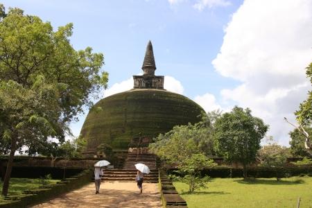 pinnacle: Rankot Vihara oro Pinnacle Dagoba, Polonnaruwa, Sri Lanka Archivio Fotografico