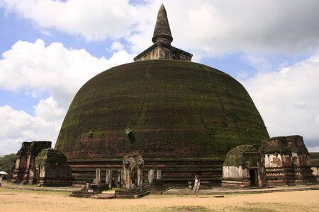 vihara: Rankot Vihara  Golden Pinnacle Dagoba , Polonnaruwa, Sri Lanka Stock Photo