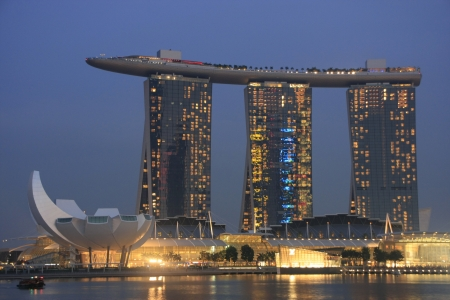 Marina Bay Sand Resort and Art Science Museum at night, Singapore Stock Photo - 15768183