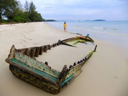 Old boat buried in sand, Sihanoukville, Cambodia, Southeast Asia Publikacyjne
