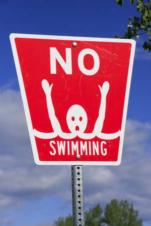 drown: No swimming sign