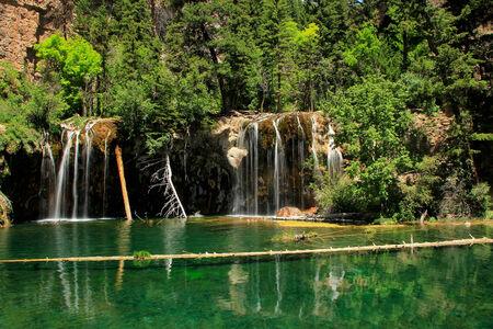 basin mountain: Hanging lake in Glenwood Canyon, Colorado, USA