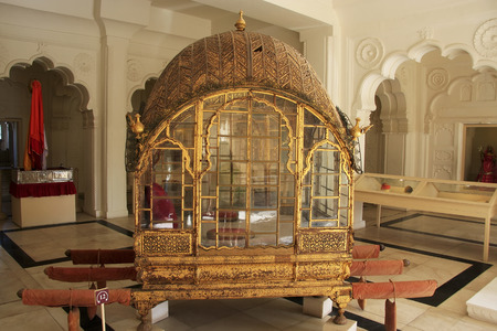 palanquin: Palanquin on display at Mehrangarh Fort museum, Jodhpur, Rajasthan, India