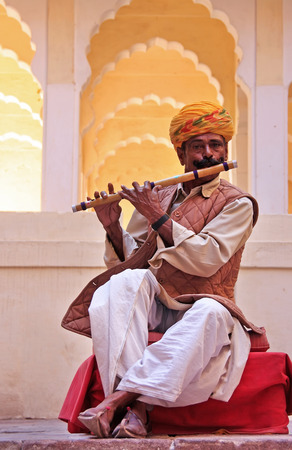 Indian man playing flute, Mehrangarh Fort, Jodhpur, Rajasthan, India Editöryel