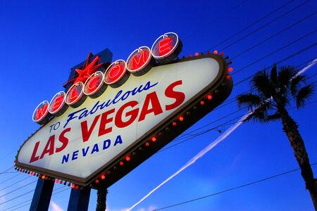 las vegas sign: Welcome to Fabulous Las Vegas sign at night, Nevada, USA