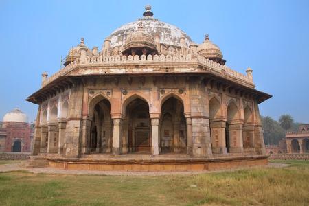 khan: Isa Khan Niyazi tomb at Humayun