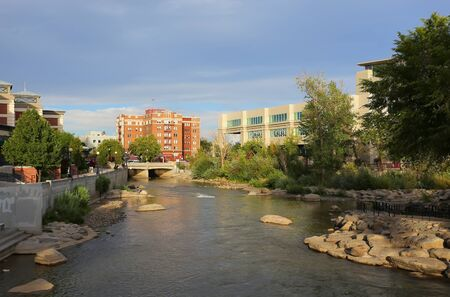 Truckee river in downtown Reno, Nevada, USA 版權商用圖片