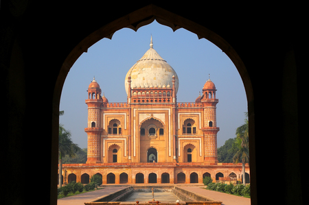 mughal empire: Tomb of Safdarjung seen from main gateway, New Delhi, India. It was built in 1754 in the late Mughal Empire style.