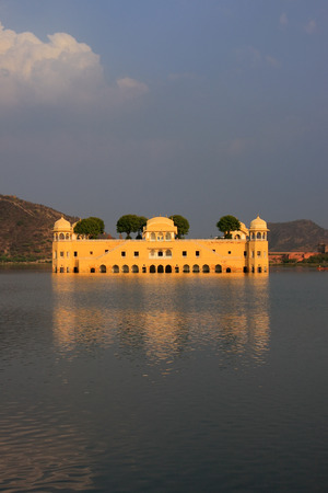 sagar: Jal Mahal and Man Sagar Lake in Jaipur, Rajasthan, India. Jal Mahal was built in the Rajput and Mughal styles.