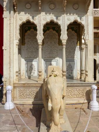 maharaja: Statue of elephant at Rajendra Pol in Jaipur City Palace, Rajasthan, India. Palace was the seat of the Maharaja of Jaipur, the head of the Kachwaha Rajput clan.