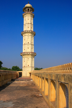 mughal architecture: Iswari Minar Swarga Sal in Jaipur, Rajasthan, India. This minaret was erected in the 1740s by Jai Singh�??s son and successor Iswari.