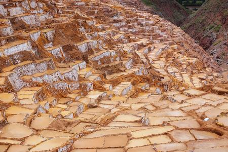 evaporacion: Salinas de Maras - salina cerca de la ciudad de Maras en Per�. Estas salinas se encuentran en uso desde la �poca Inca. Foto de archivo