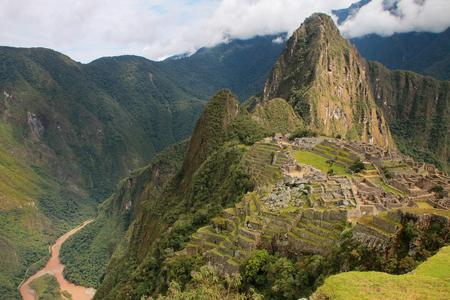 ciudadela Inca de Machu Picchu en Perú. En 2007 Machu Picchu fue elegida como una de las nuevas siete maravillas del mundo. Foto de archivo