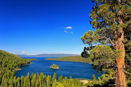 fannette: Emerald Bay at Lake Tahoe with Fannette Island, California, USA. Lake Tahoe is the largest alpine lake in North America Stock Photo
