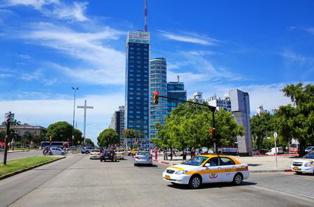 Tres Cruces district de Montevideo avec Torre del Congreso, Uruguay. Montevideo est la capitale et la plus grande ville de l'Uruguay.