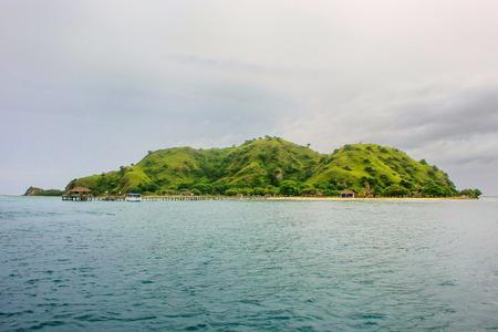 Kanawa Island in Flores Sea, Nusa Tenggara, Indonesia. Kanawa Island is within the Komodo National Park. 版權商用圖片