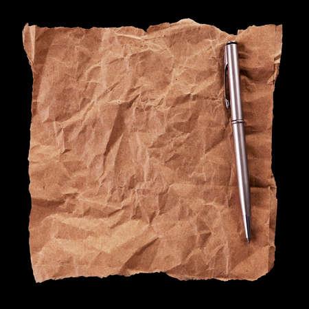 feuille froiss�e: feuille froiss�e de papier et un stylo Banque d'images