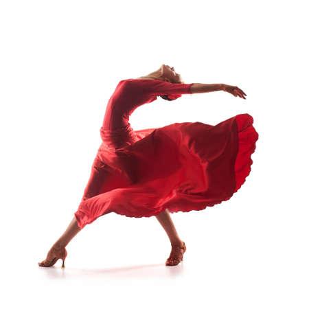 빨간 드레스를 입고 여자 댄서 스톡 콘텐츠 - 18909357