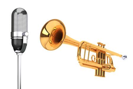 trompeta: Trompeta latón pulido con micrófono de plata de la vendimia en un fondo blanco