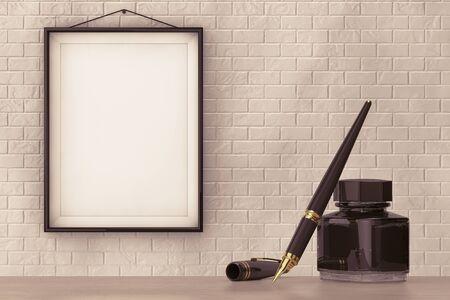 Vulpen met Inktpot in de voorkant van bakstenen muur met Leeg Frame extreme close-up Stockfoto