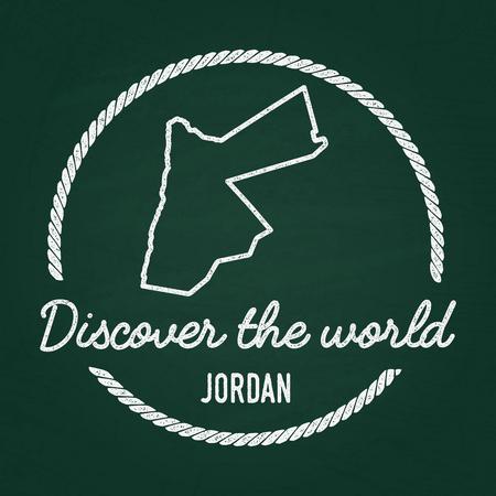 Wit krijt textuur hipster insignia met Hashemite Kingdom of Jordan kaart op een groen schoolbord. Grunge rubberen afdichting met contouren van het land, vectorillustratie.