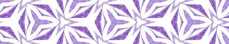 Purple kaleidoscope Seamless Border Scroll. Geometric Watercolor Frame. Brilliant Seamless Pattern. Medallion Repeated Tile. Appealing Chevron Ribbon Ornament. 免版税图像