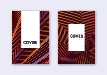 Hipster cover design template set. Orange abstract lines on wine red background. Classic cover design. Overwhelming catalog, poster, book template etc. Banque d'images - 137646225