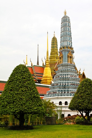 emerald city: Grand Palace, the major tourism attraction in Bangkok, Thailand.