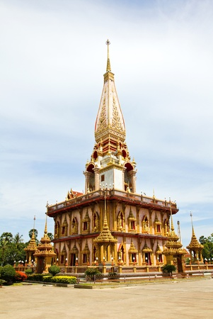 wat: Pagoda in Wat Chalong or Chaitharam Temple, Phuket, Thailand.