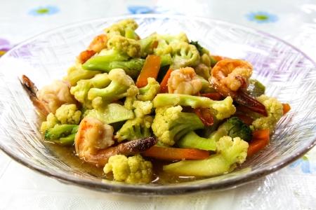 Stir-fry vegetables and shrimp. Stock Photo - 15700361