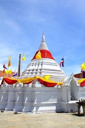 nonthaburi: White pagoda against blue sky at Wat Poramaiyikawas Temple in Nonthaburi, Thailand.