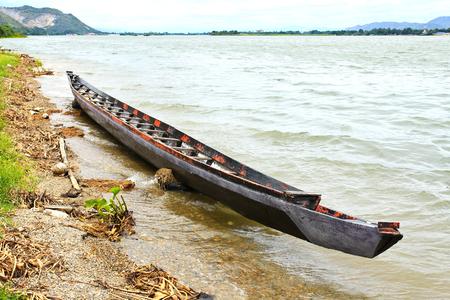 View of Mae Klong Dam in Kanchanaburi ,Thailand. Banque d'images