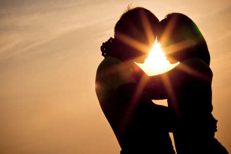 romance: Любовь Sillhouette пара Фото со стока
